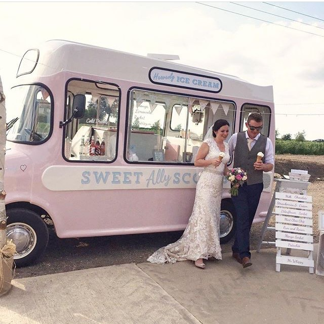 vintage wedding ice cream van Cambridgeshire