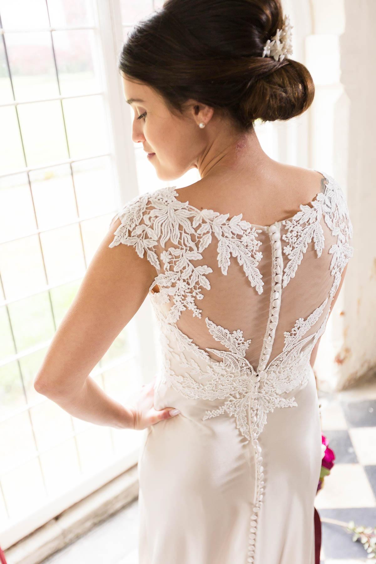 hertfordshire wedding dress ideas lee rushby hertfordshire wedding photographer