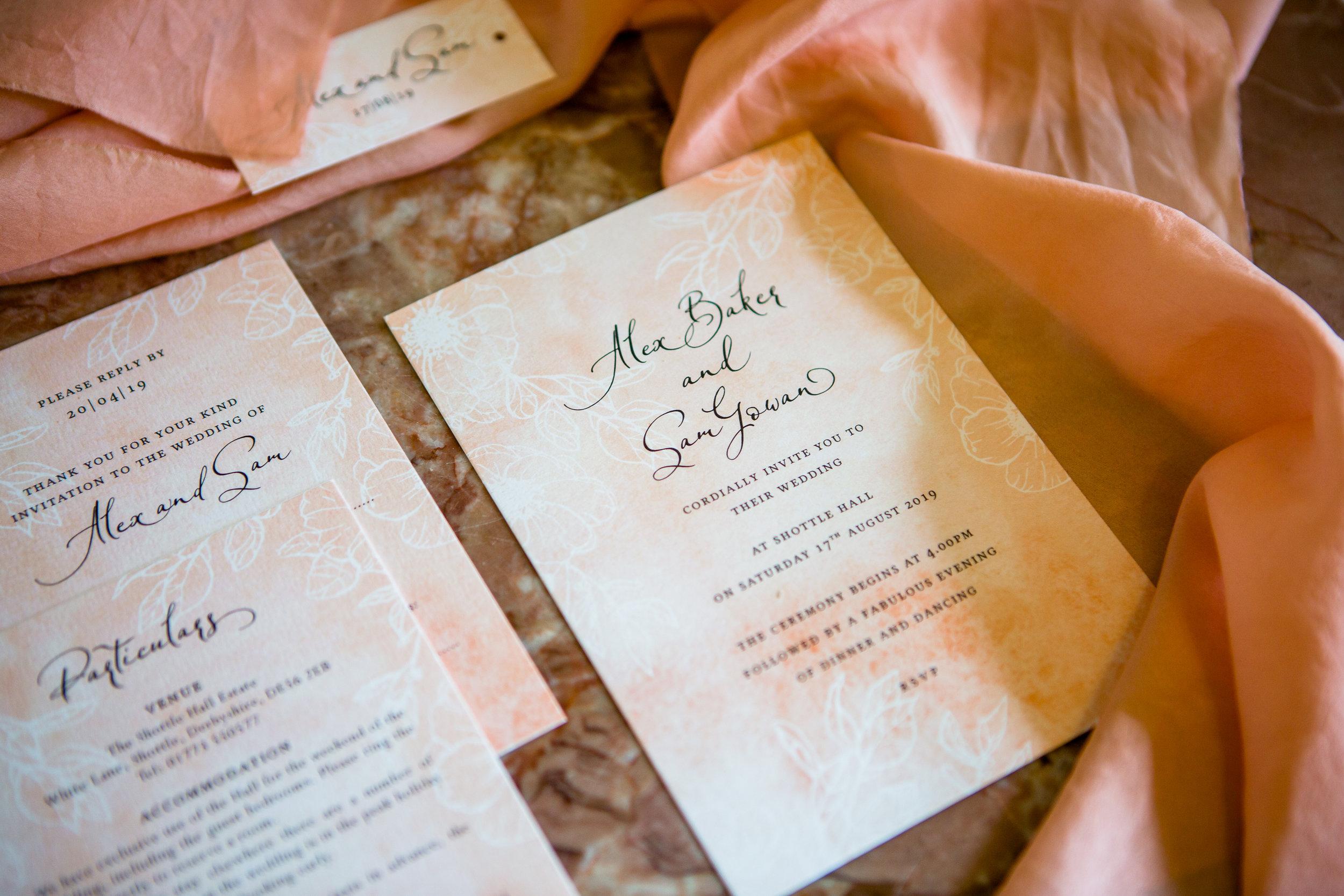 Coral Pantone 2019 wedding stationary
