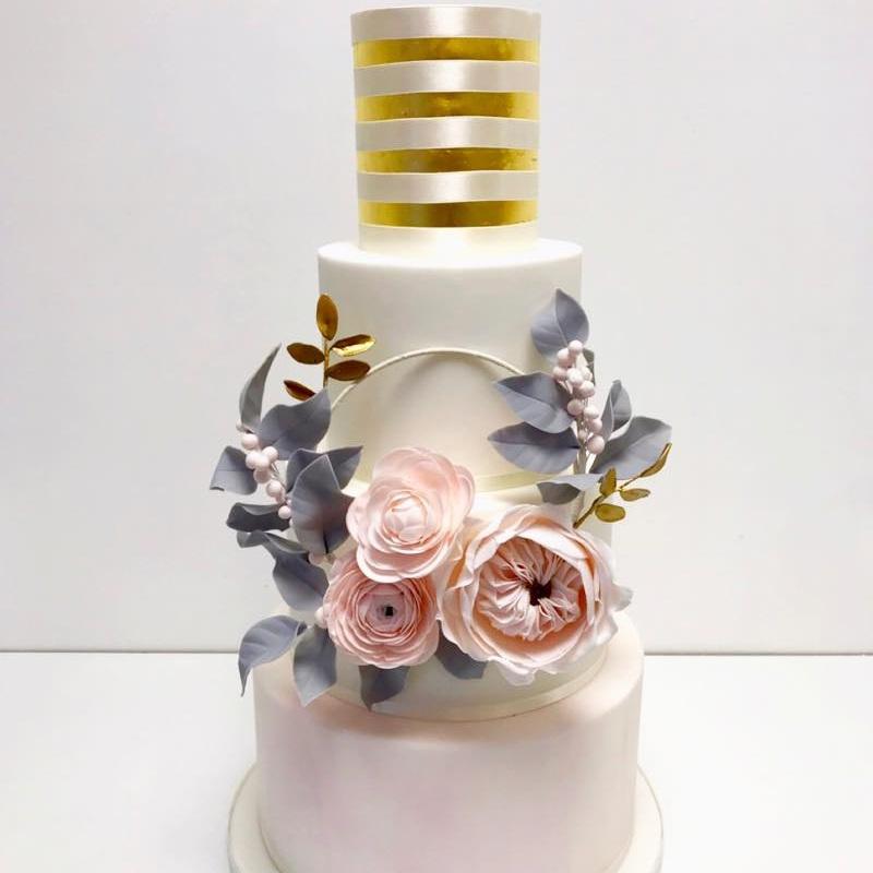 sugar designs wedding cake maker buckinghamshire