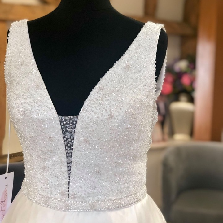 ivory and lace bridal wedding dress shop bedfordshire