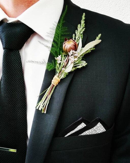 Button Hole_Seasonal Flowers_Wedding Planning_Wild Rosamund