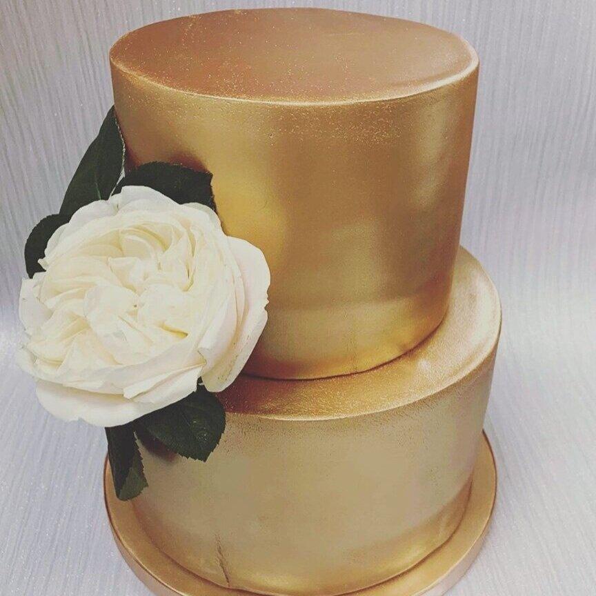 Bedfordshire+wedding+cakes+Dunstable+Cake+House