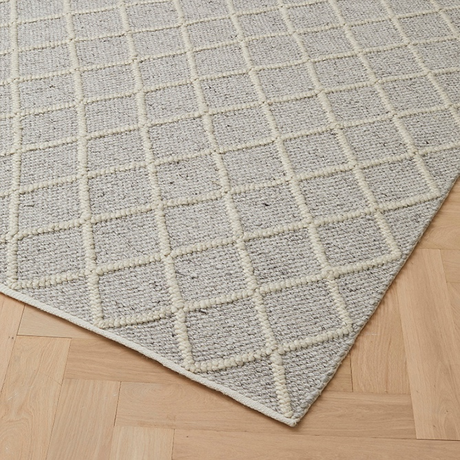 MITRE RUG - FEATHER