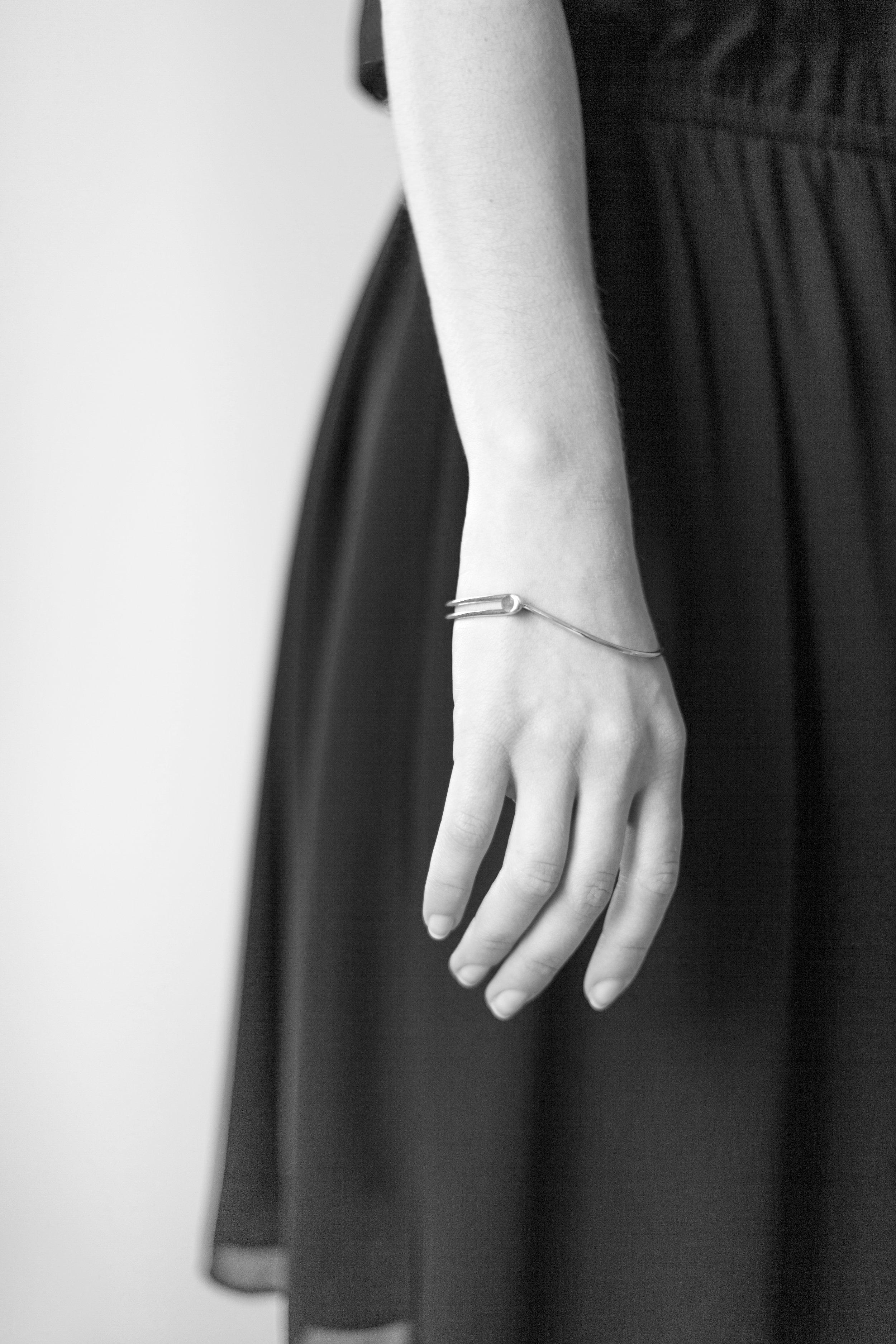 Floorwetemans_finejewelry_handwith bracelet