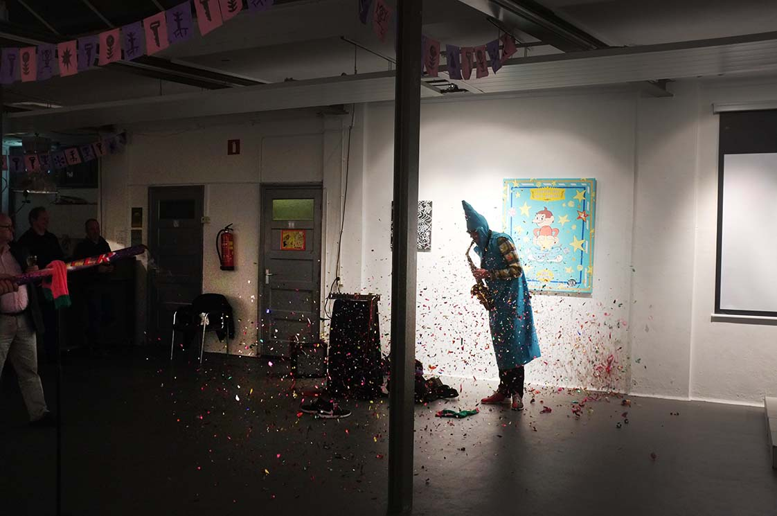 Performance by Jip Piet