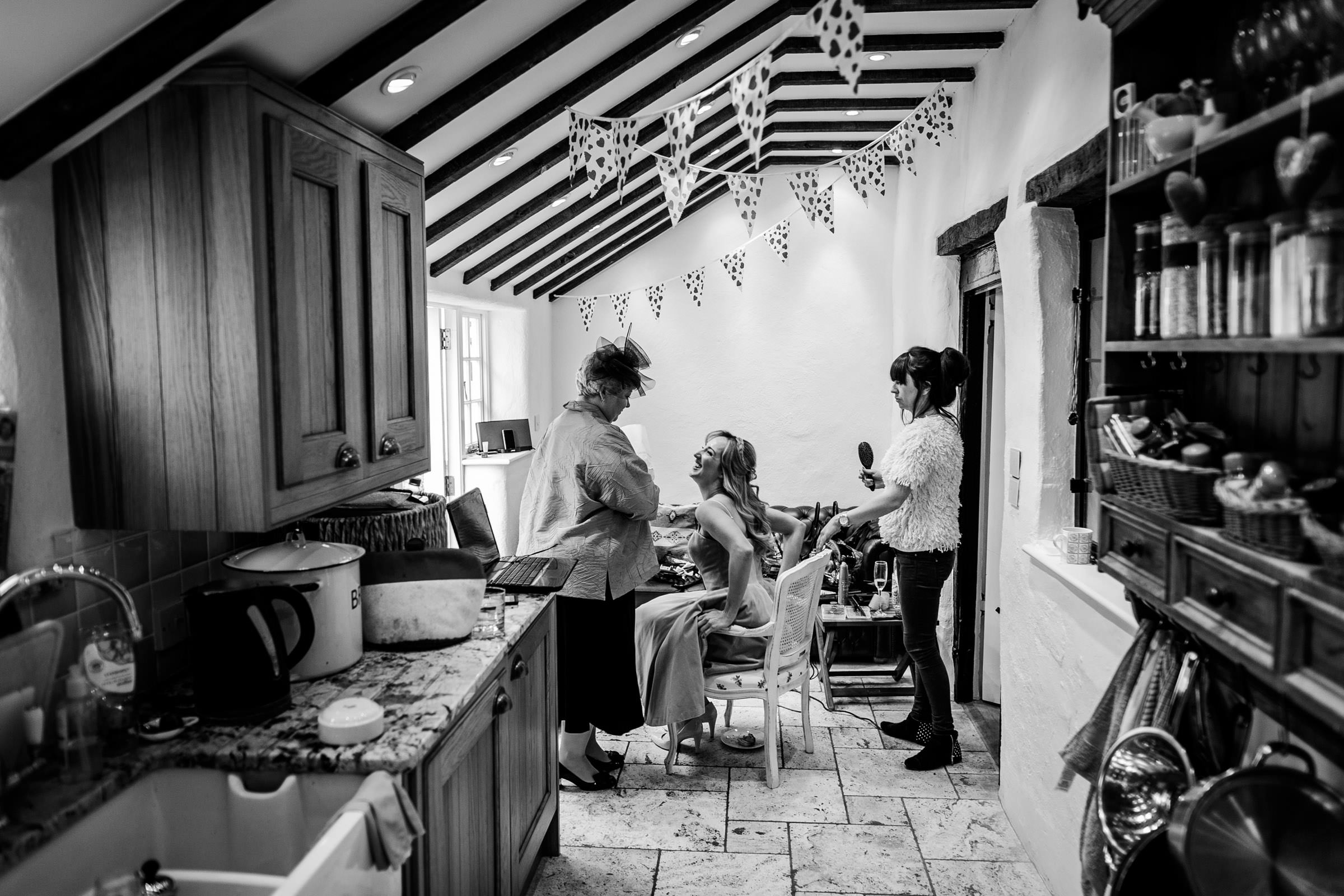 Notley Tythe Barn Reportage Wedding Photos 002.jpg