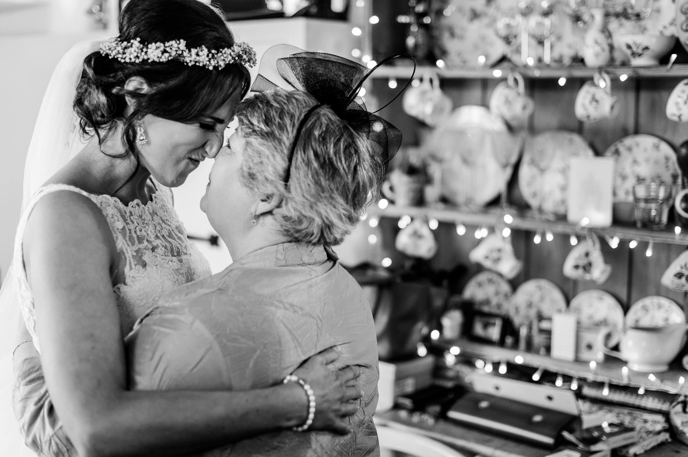 Notley Tythe Barn Reportage Wedding Photos 005.jpg