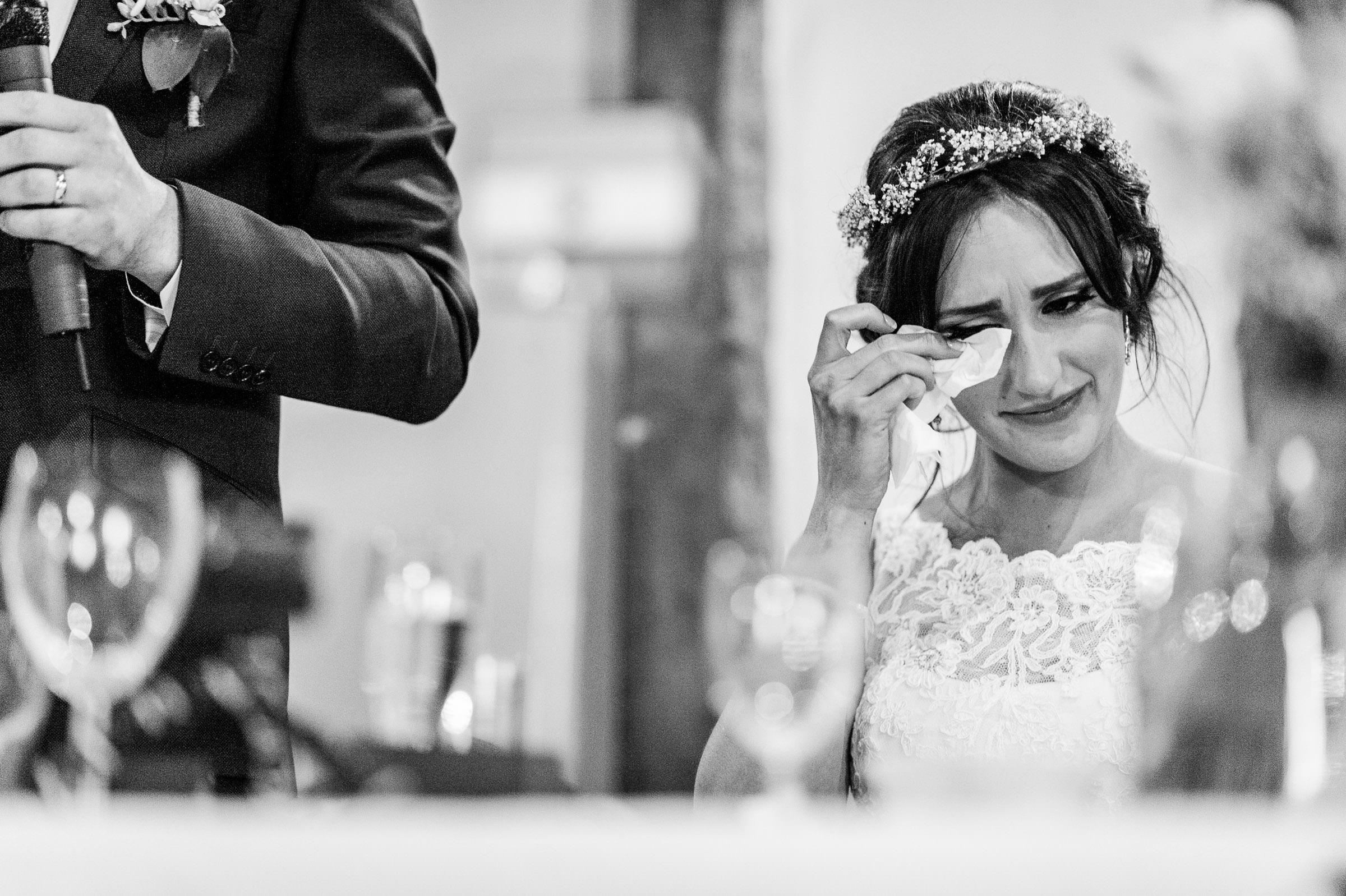Notley Tythe Barn Reportage Wedding Photos 028.jpg