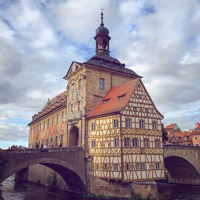 Bamberg with old friends! . . . . . #bamberg #rathaus #schlenkerla #knicknacks #altenbergcastle #greifenklau #beer #bier #wanderlust #franconia #bavaria