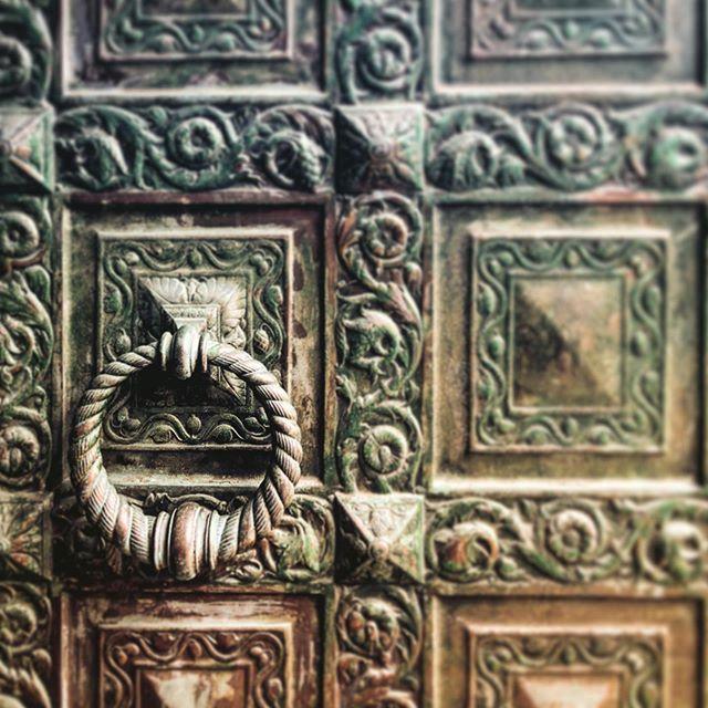 Now that's a door! . . . . . #marybakereddylibrary #door #boston #wanderlust