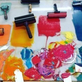 ⠀ Lucy Farley inks at Huguenot editions⠀ .⠀ .⠀ .⠀ #art #artist #monoprint #abstract #abstractartist #colour #creative #fineart #gallery #paint 'instaart #creative #artwork #inspiration #artistoninstagram #artlovers #artnews #artoftheday #artreception #artgallery #artstudio #artinfo #contemporaryart #drawing #design #artistsofinstagram