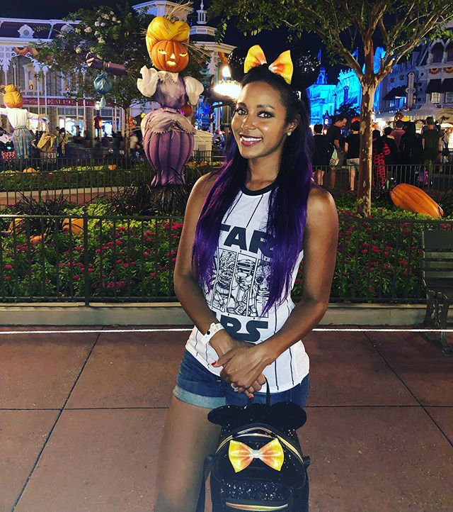 Loves me some Disney. Loves me some Halloween. Loves me some Horror Nights. Reminiscing on a great weekend of haunts and treats 🎃👻 #mickeysnotsoscaryhalloweenparty