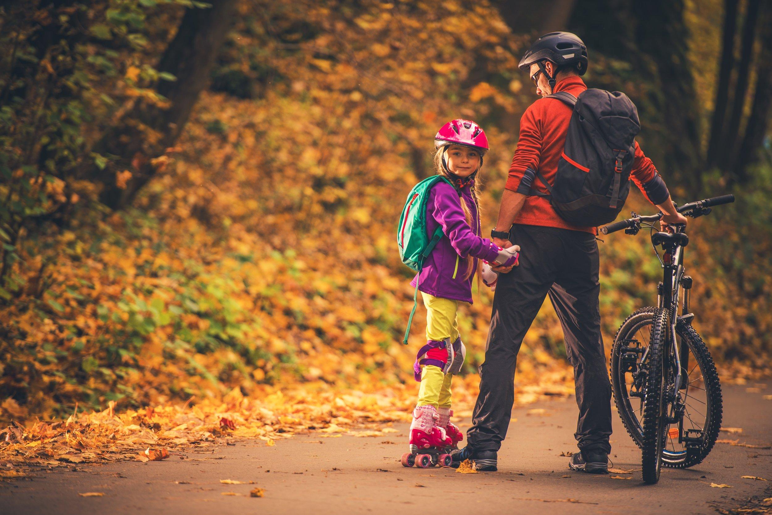 family-outdoor-activities-PJBSMDN.jpg