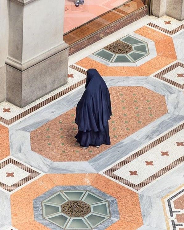 """Due"" by @delfino_sl Full story on the @perimetro__  web #archiviomadre #regram #Milan #perimetromilano"