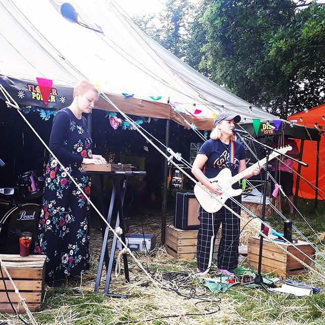 Just played a cute Sunday set at DIY fest in steynings. Thanks for having us. Thanks to all the dogs who watched too 🐕
