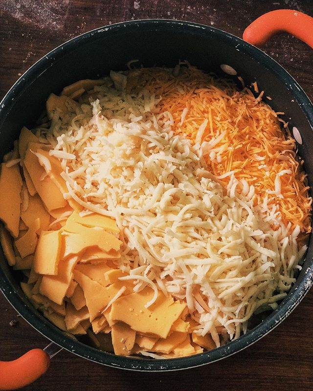 Whipping up a batch of our 3 cheese sauce for our gooey Mac and Cheese. We make a special blend of smoked provalone, cheddar and American cheeses, then slowly melt all that goodness till it's at the perfect level of creaminess. We'll be at @omfbrewing tonight from 4 till we sell out! #denverfoodtruck #omfbrewing #foodtruck #potpie #denver #foodie #fromscratch