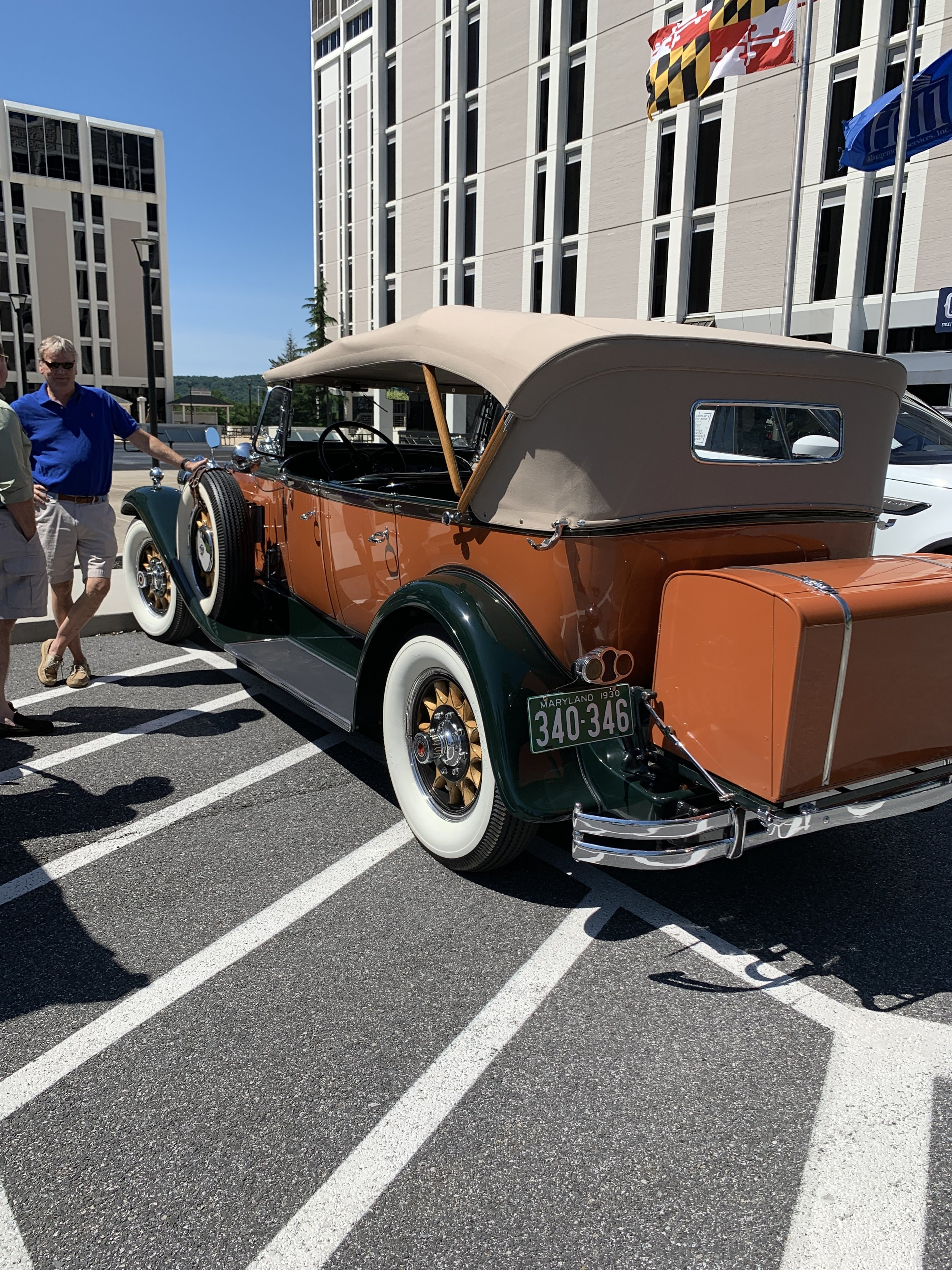 Leigh Brent brought his classic Packard.
