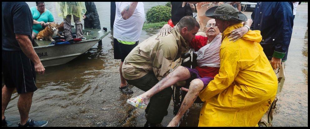hurricane-harvey-rescue-2-jt-170827_12x5_992.jpg