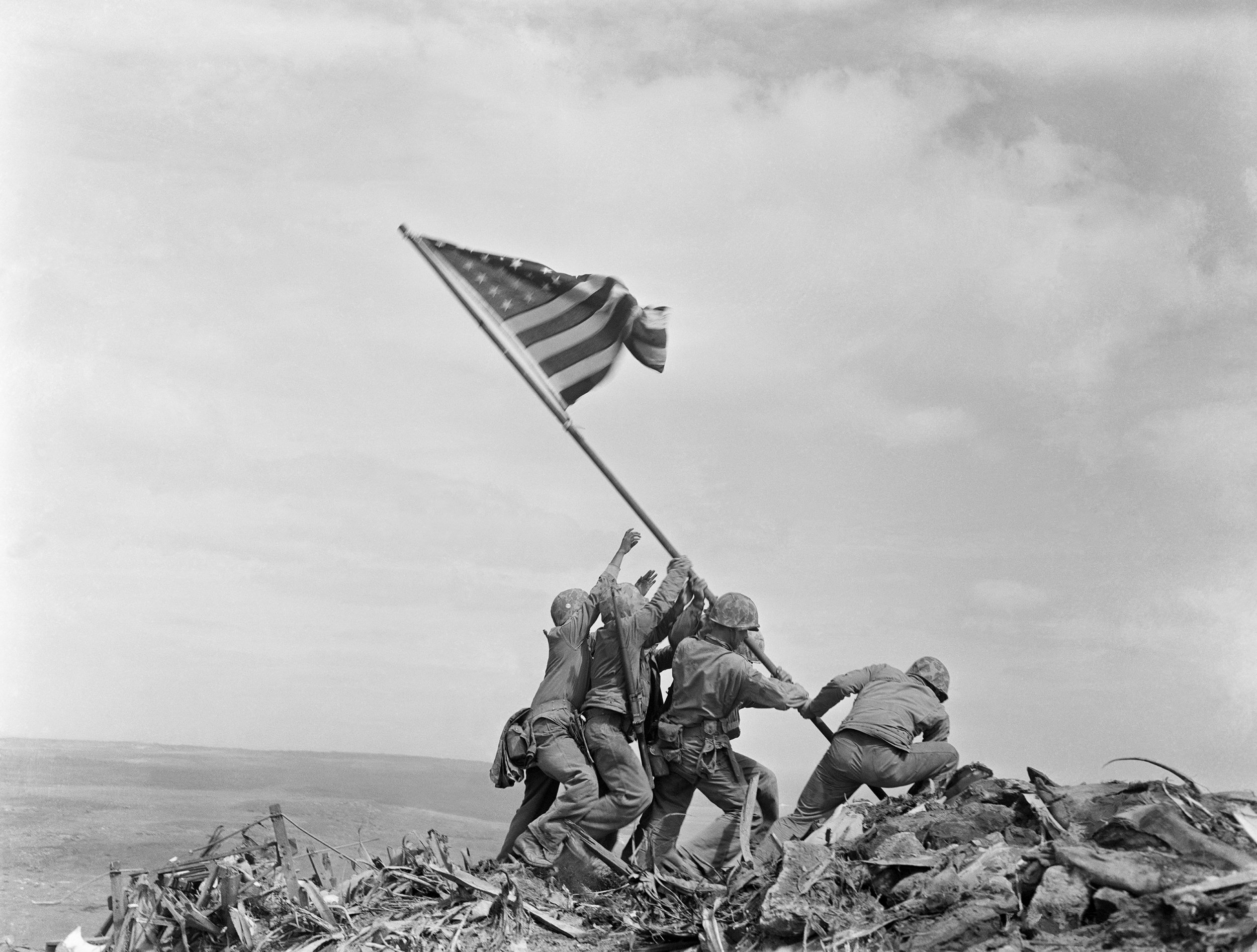 Raising_the_Flag_on_Iwo_Jima,_larger_-_edit1.jpg