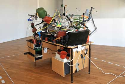 Tomoko Takahashi (2000) Desk-Top Garden Sculpture.
