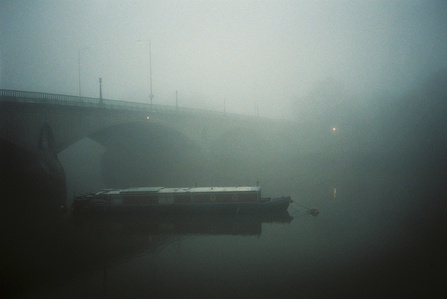 11_foggy_twickenam_bridge.jpg