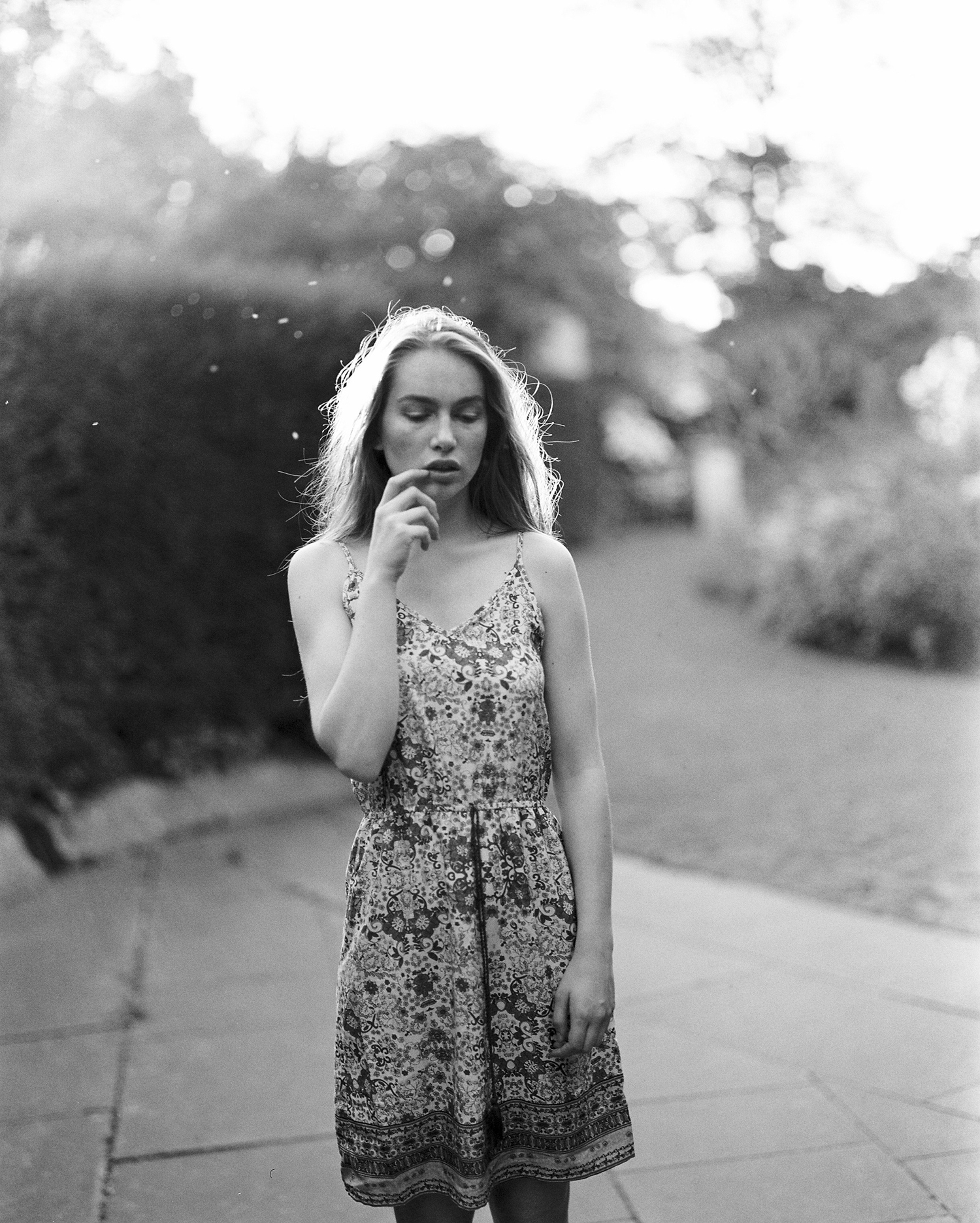 Shoot in Regents Park London by Dmitry Serostanov