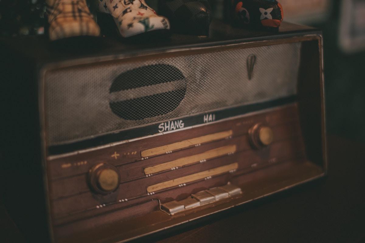 oldradio.jpg