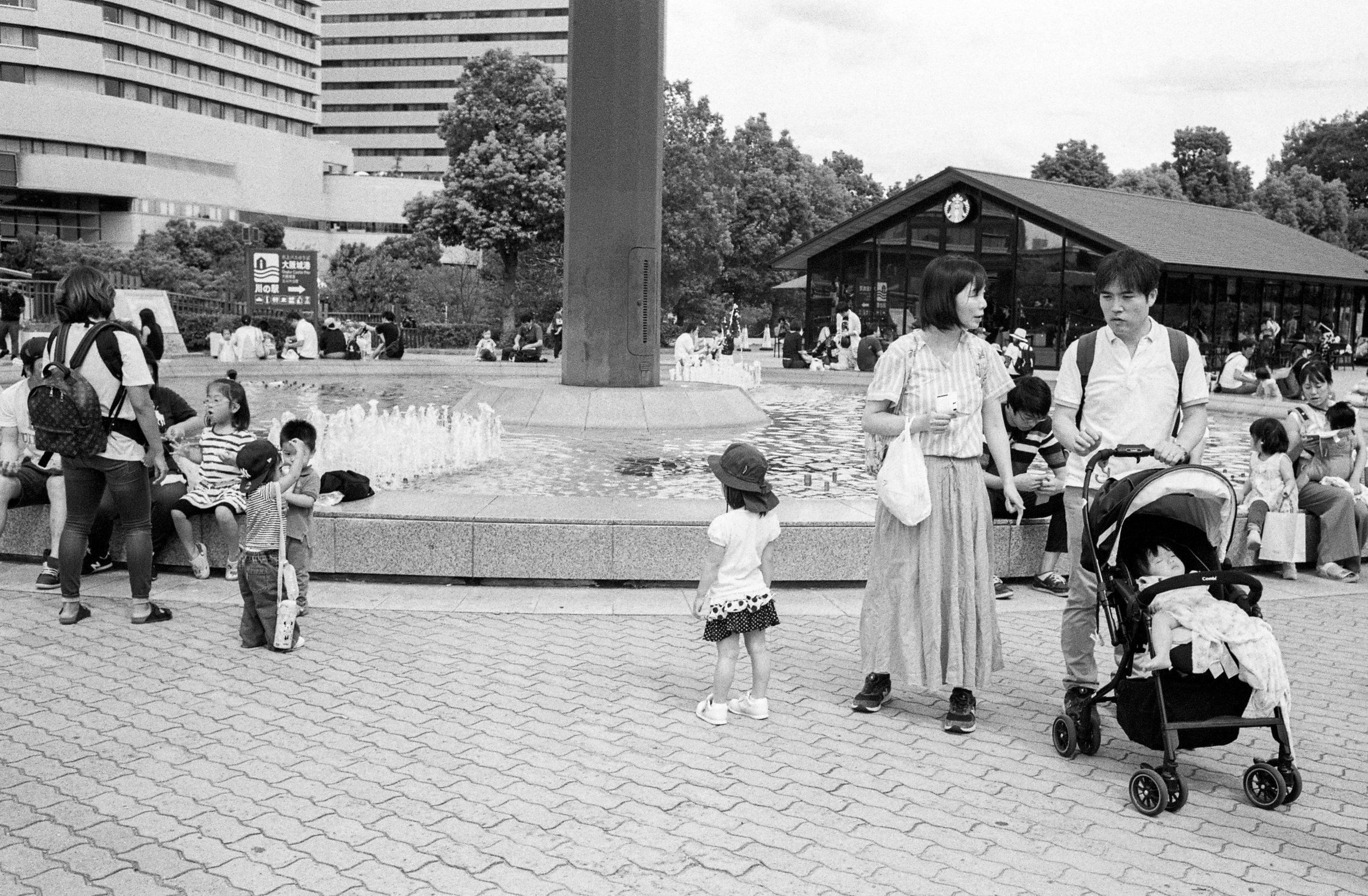 M6-TRIX400-800ISO-JAPANSUM18-OSAKALOOPLINE(Y)-OSAKAKOEN-023.jpg