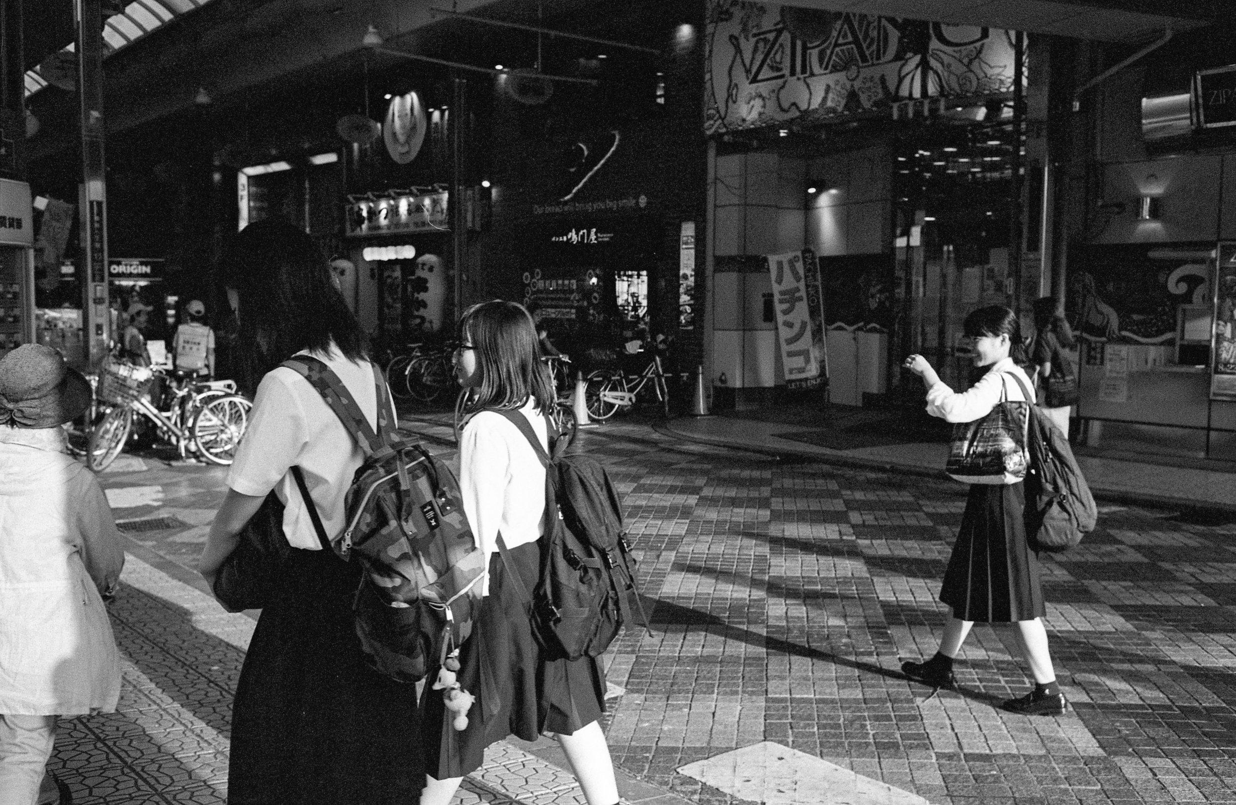 M6-TRIX400-800ISO-JAPANSUM18-OSAKALOOPLINE(Y)-MOMODANI-005.jpg