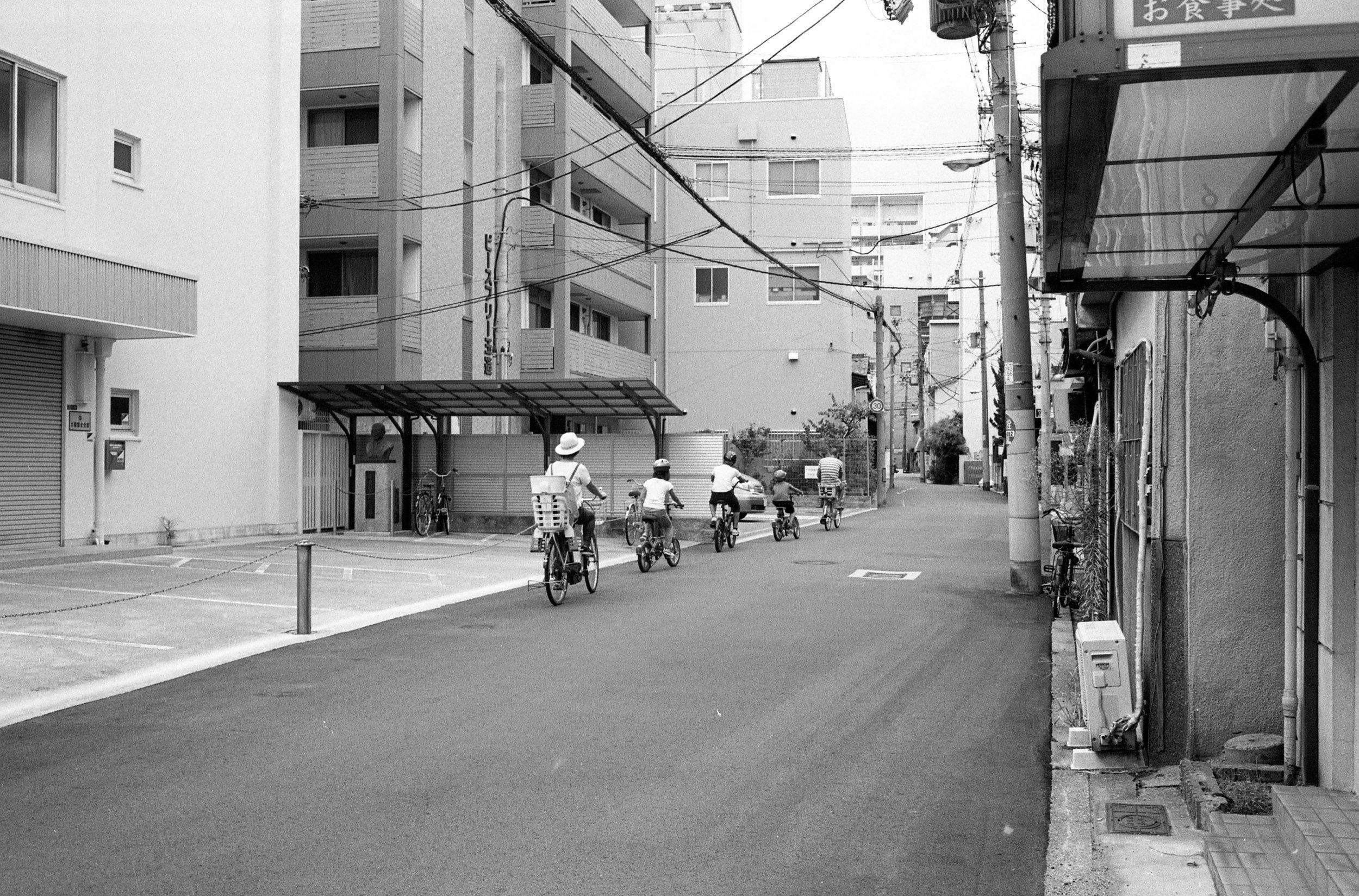 M6-TRIX400-800ISO-JAPANSUM18-OSAKALOOPLINE(Y)-MORINOYA-036.jpg