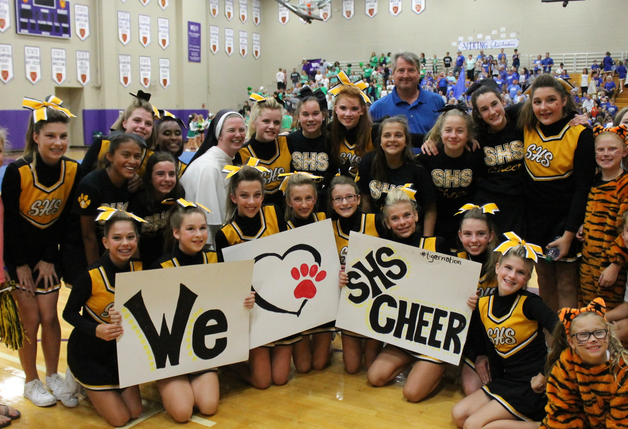 Cheer 2017-18 462.JPG
