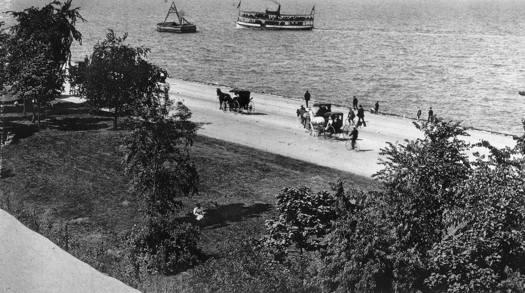View of old Lake Shore Drive with bicycles and carriages, ca. 1895, Chicago Park District Records: Photographs, Special Collections, Chicago Public Library.