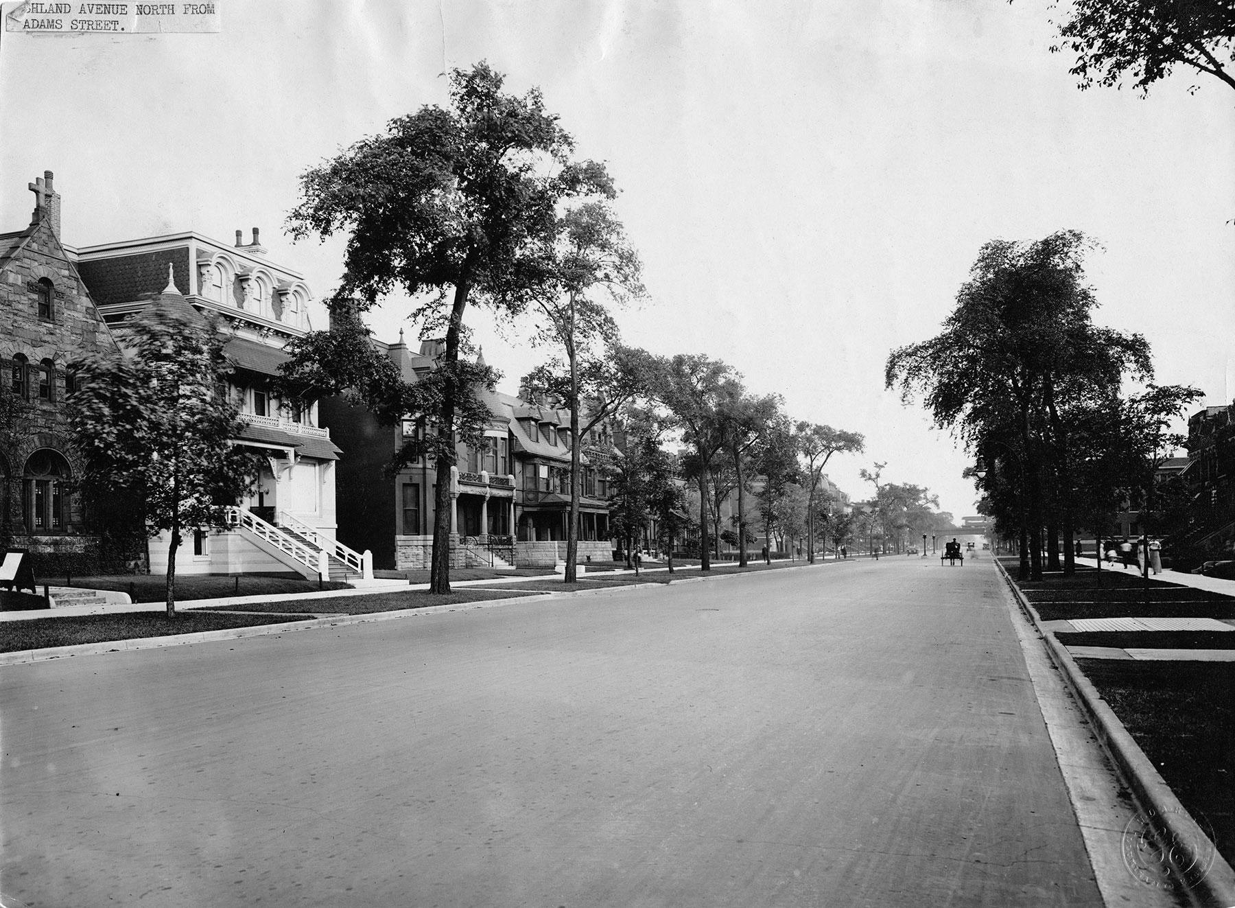 View of S. Ashland Avenue near W. Adams Street, ca. 1900. Photo courtesy of Chicago History Museum, iChi 27335.