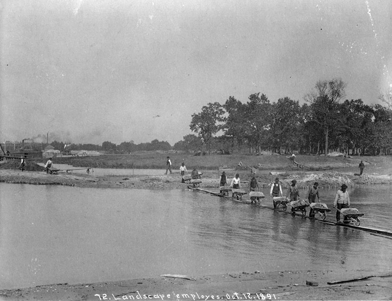 Landscape employees, construction stage, October 1891. Photograph by C.D. Arnold, Courtesy of Chicago Public Library, Special Collections, WCE CDA 11.53
