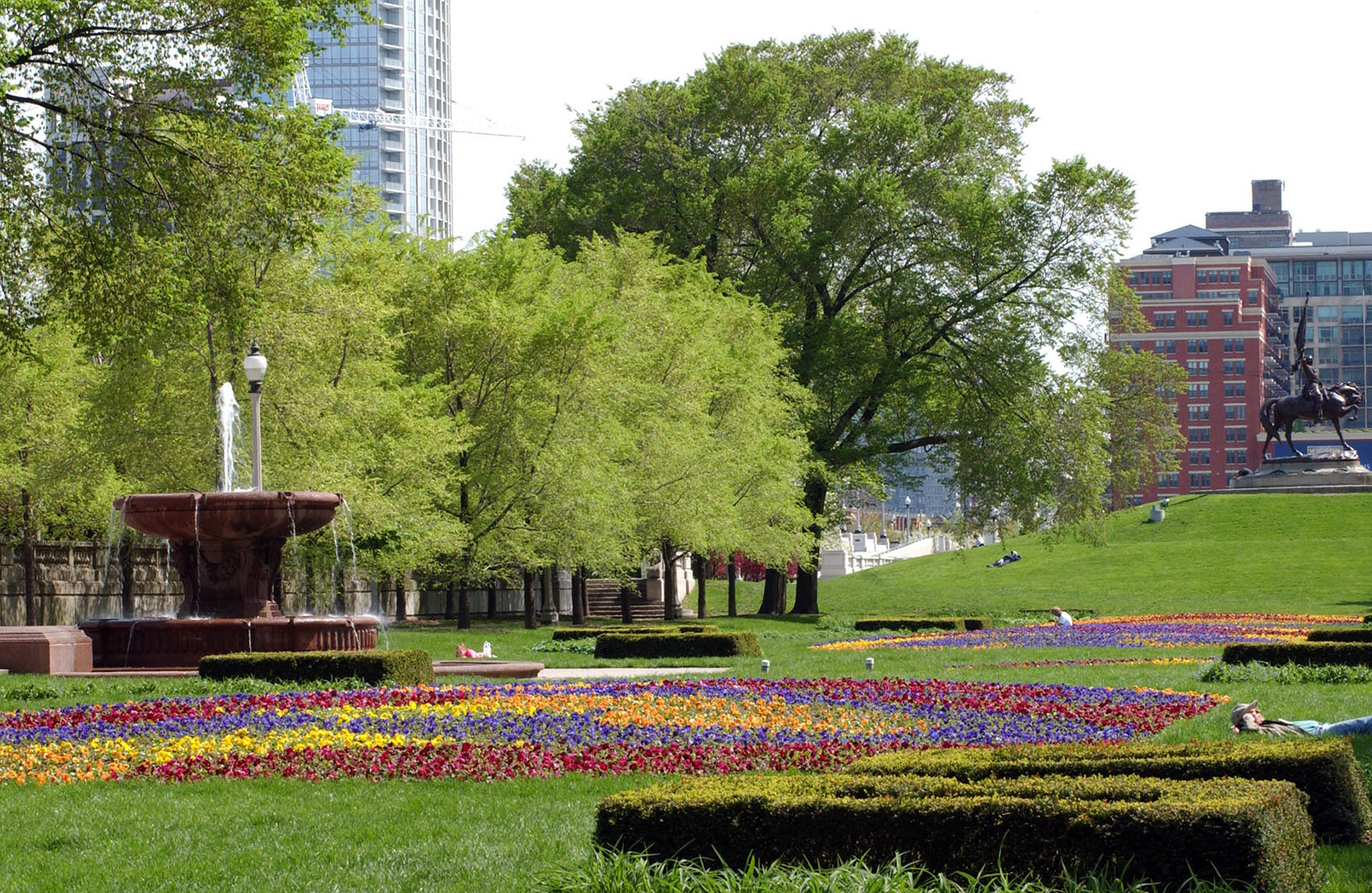 Grant Park Formal Gardens South of E. Balbo Drive. Photo by Julia Bachrach.