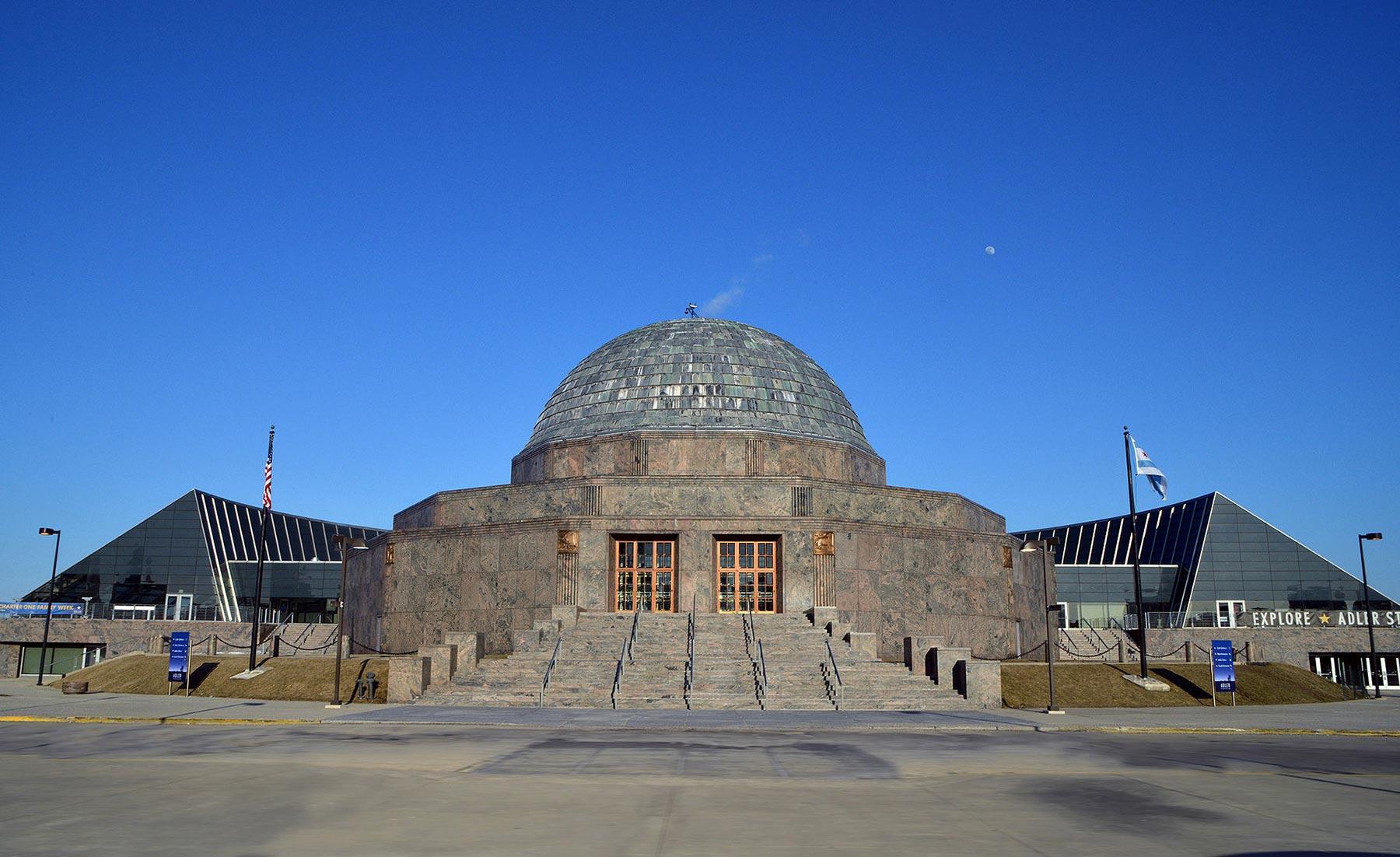 Adler Planetarium, Chicago. Photo courtesy of Wikicommons.