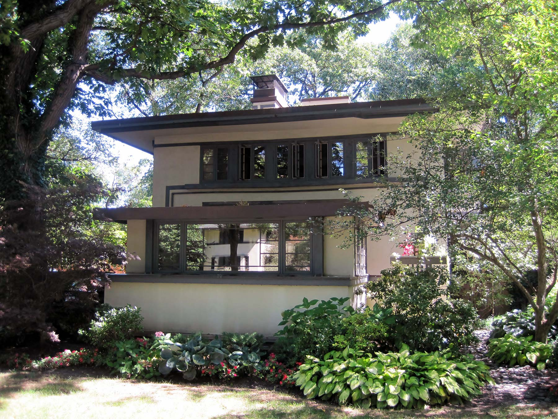 William Drummond House, River Forest, Illinois. Photo courtesy of Wikicommons.