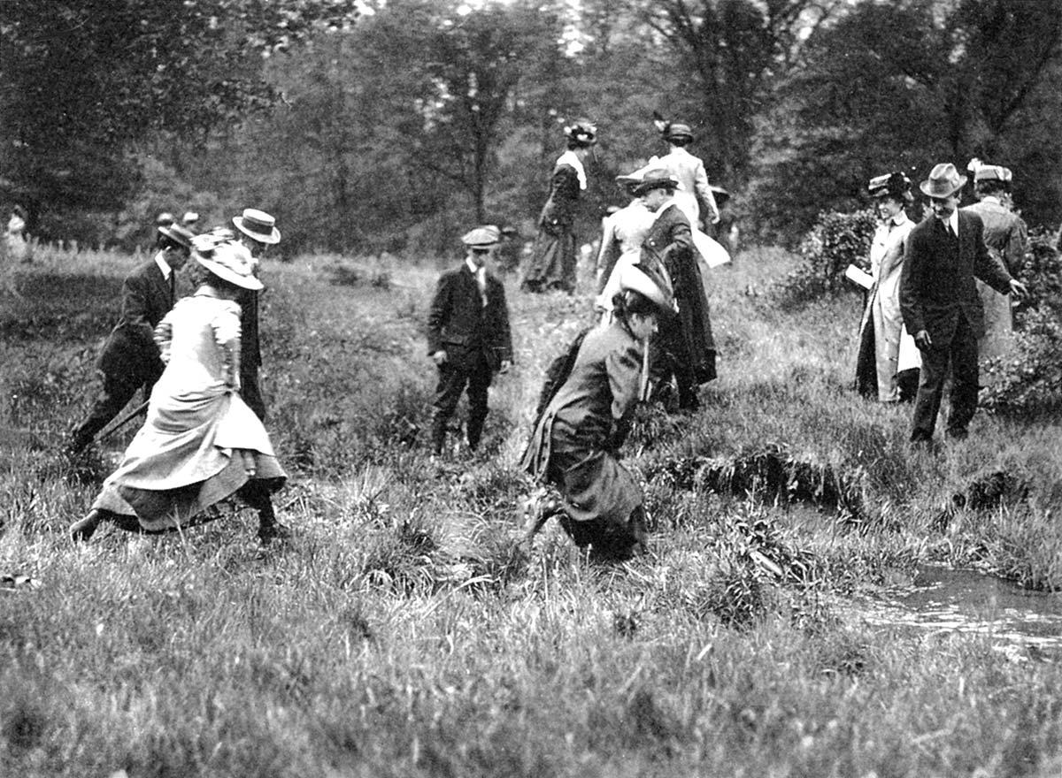 Saturday Afternoon Walking Club, ca. 1910. Photo courtesy of Morton Arboretum.