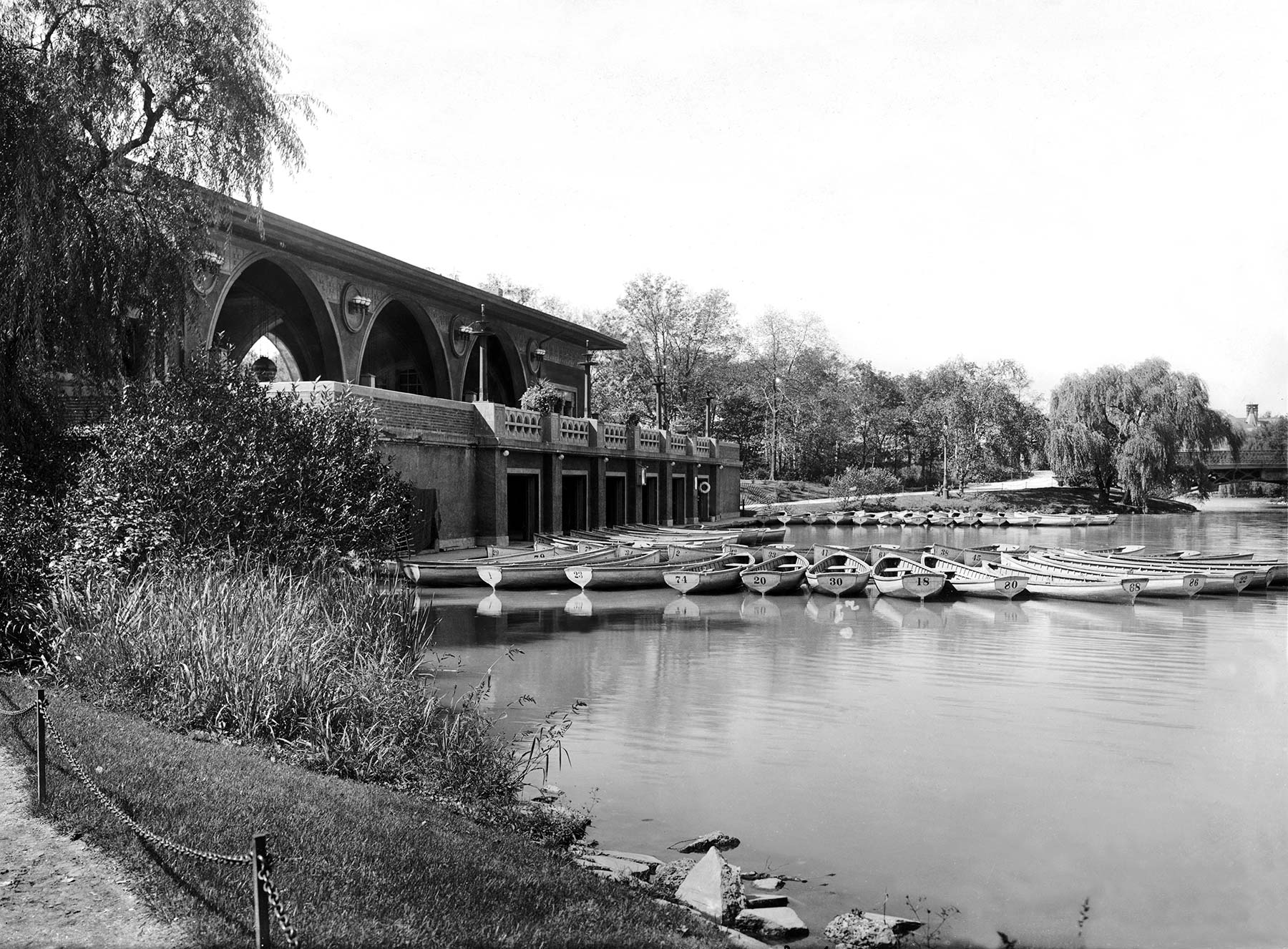 Humboldt Park Boat House, ca. 1915. Chicago Park District Records: Photographs, Special Collections, Chicago Public Library.