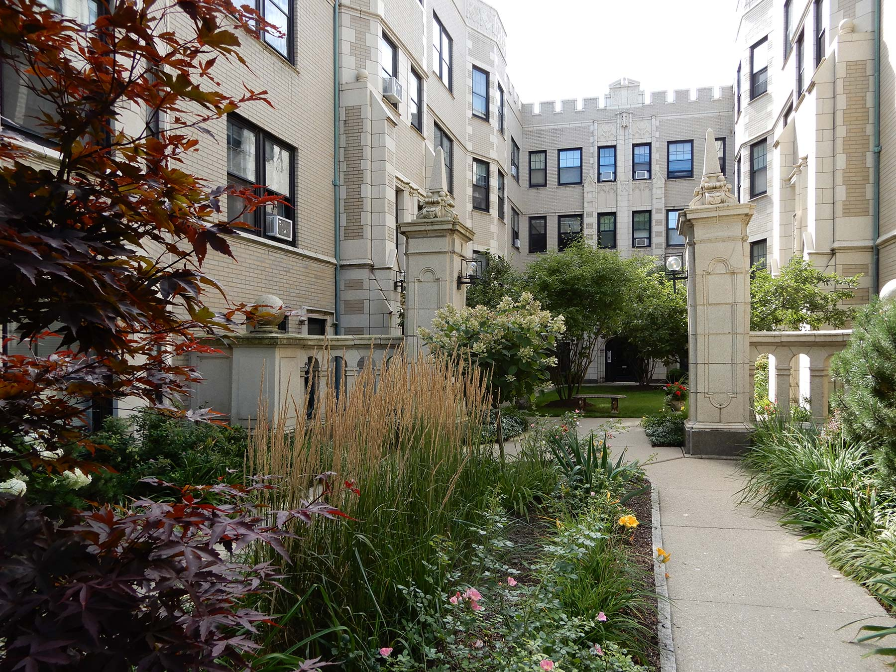 Nyden's courtyard building at 544-550 Sheridan Road in Evanston. Photo by Julia Bachrach.