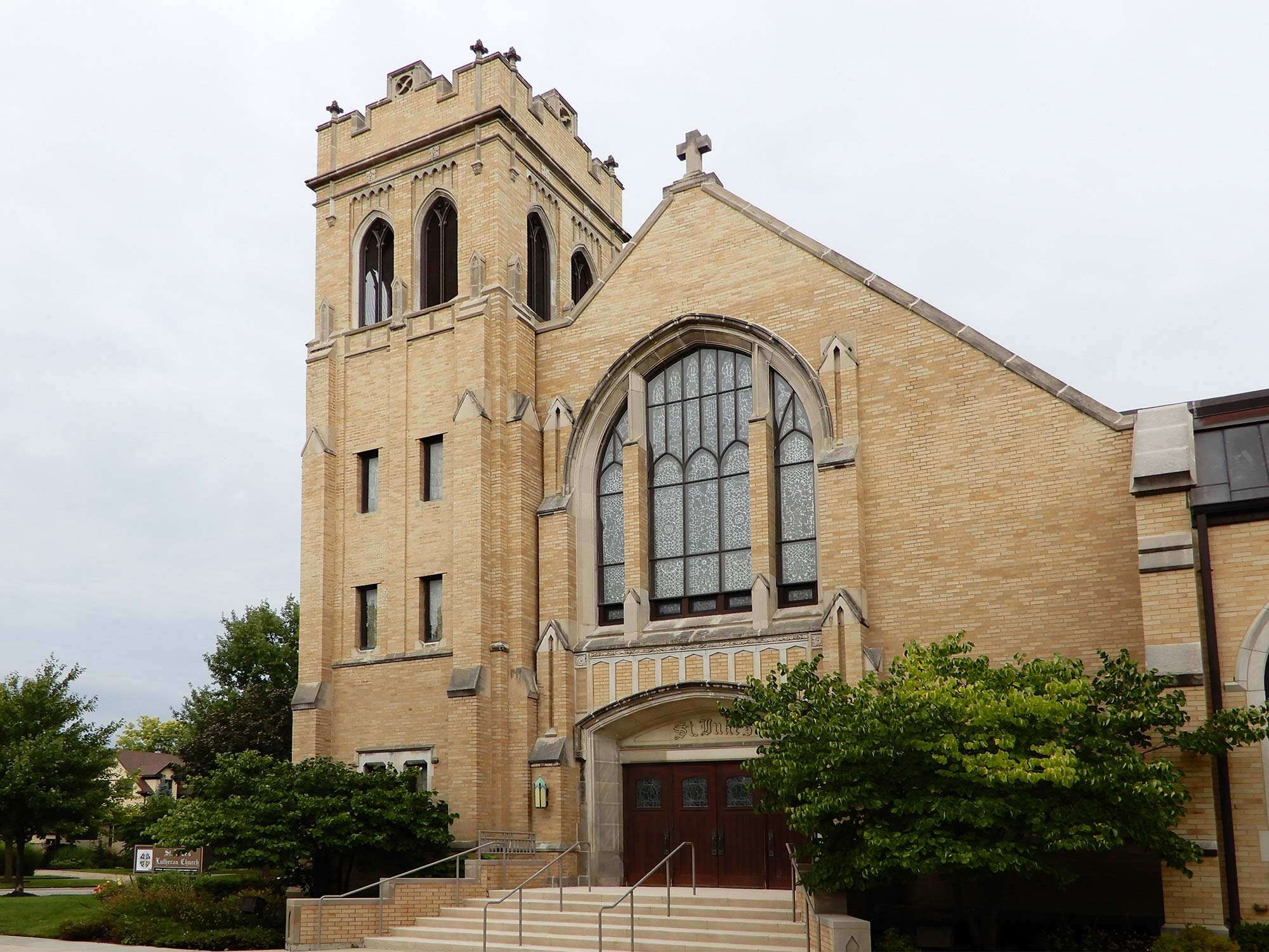 St. Luke's Lutheran Church, Park Ridge, IL, designed by Elisabeth A. Martini. Photo by Julia Bachrach.