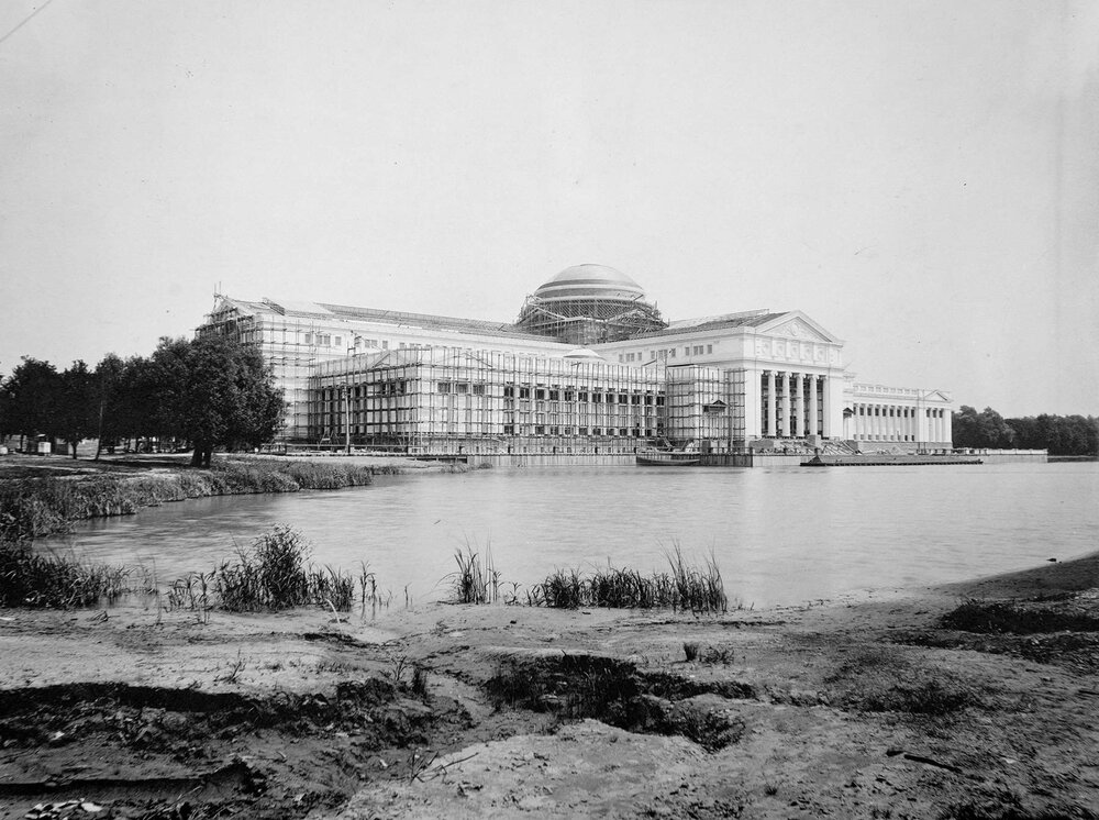 The Museum of Science and Industry was built as the Palace of Fine Arts for the World's Columbian Exposition. This photograph documents the building's construction, circa 1892. Photograph by C.D. Arnold. Chicago Public Library, C.D. Arnold Photographic Collection, Volume I, Plate 46c.