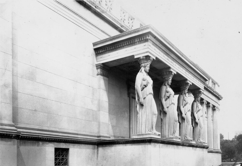 Old Palace of Fine Arts, showing Caryatid detail, 1935.  Chicago Public Library, Chicago Park District Photograph 046_023_015.