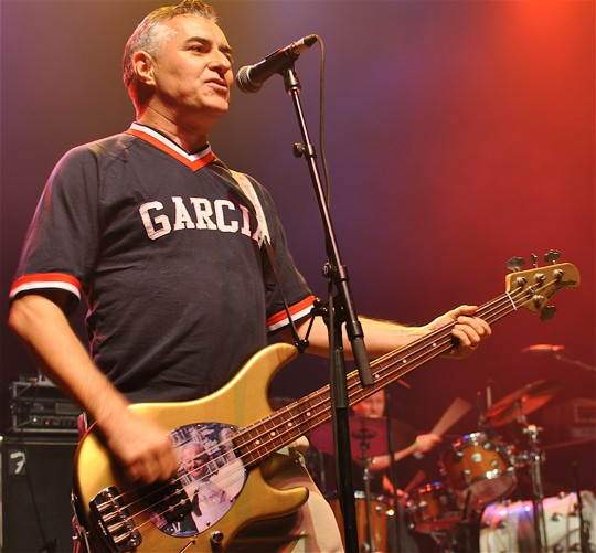 JOE ESCALANTEBassistTHE VANDALS - Episode 13.13.17Today we sit down with Joe Escalante, the bassist for the legendary Orange County punk band, The Vandals to talk about his