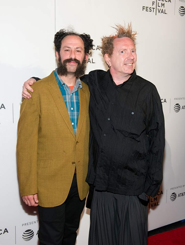 TABBERT FIILLERTHE PUBLIC IMAGE IS ROTTEN - Episode 5310/1/18This week on 3 Gigs, we chat with director Tabbert Fiiller, about his documentary on John Lydon and Public Image Ltd., The Public Image Is Rotten. We talk about his transition from cinematographer to the director's chair for the first time and the best time! As well as some of the struggles as being a cinematographer working with inexperienced directors.For more about THE PUBLIC IMAGE IS ROTTEN:https://thepublicimageisrotten.com/