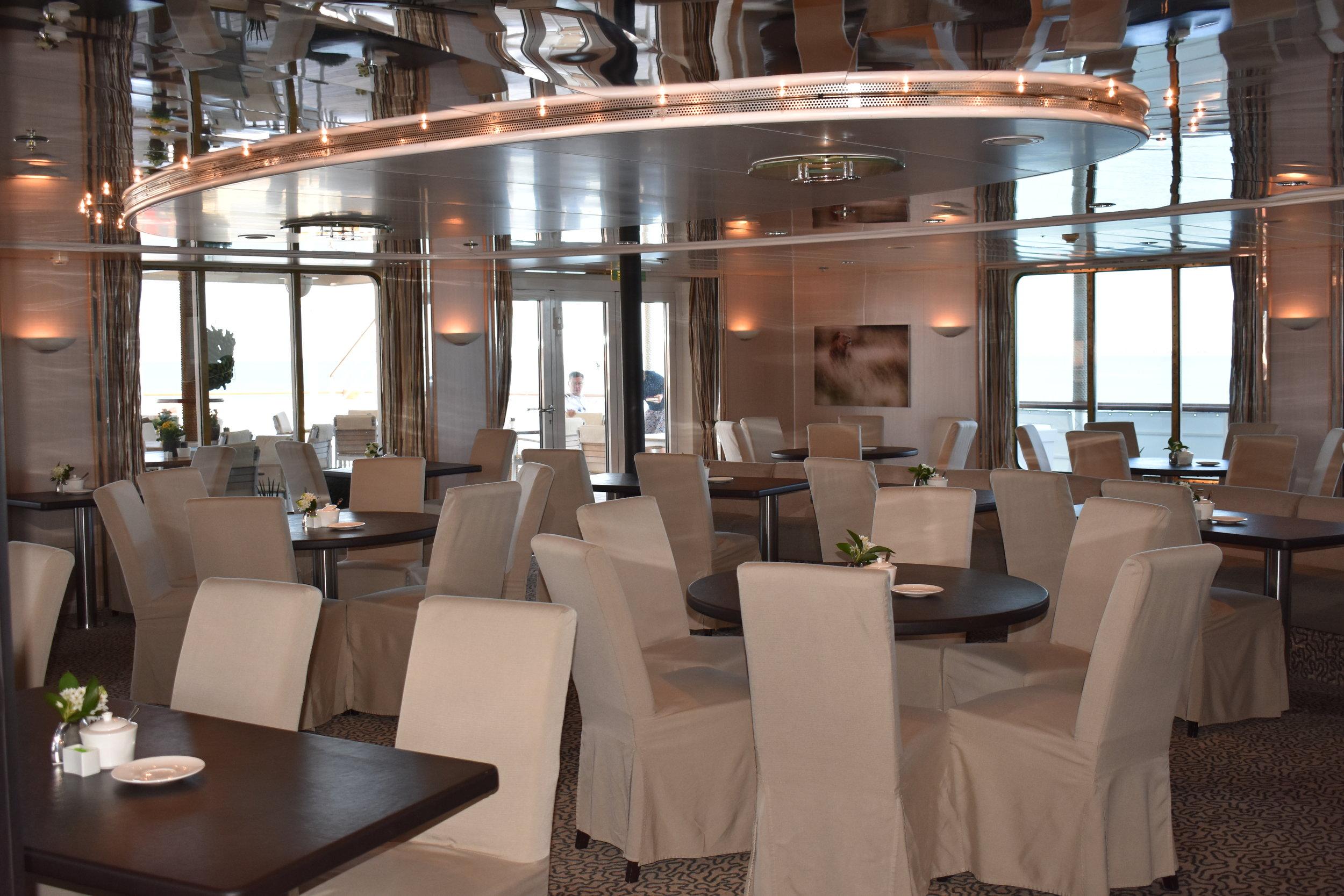 Resolute Bistro Bar & Lounge