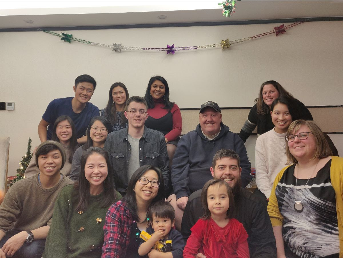 The second weekend both teams came together for a Christmas party. We brought gifts for everyone and decorations from Canada, we sang Christmas carols and read the Christmas story together.