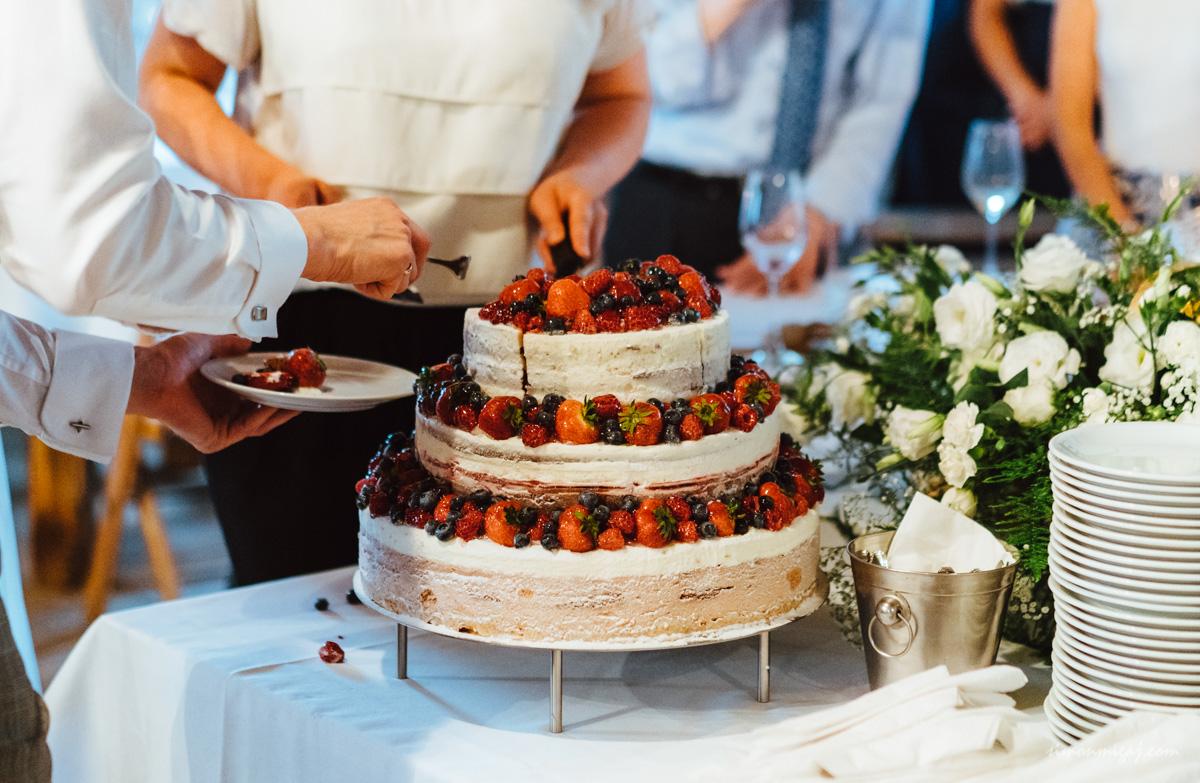 wedding photography - photography of the wedding cake