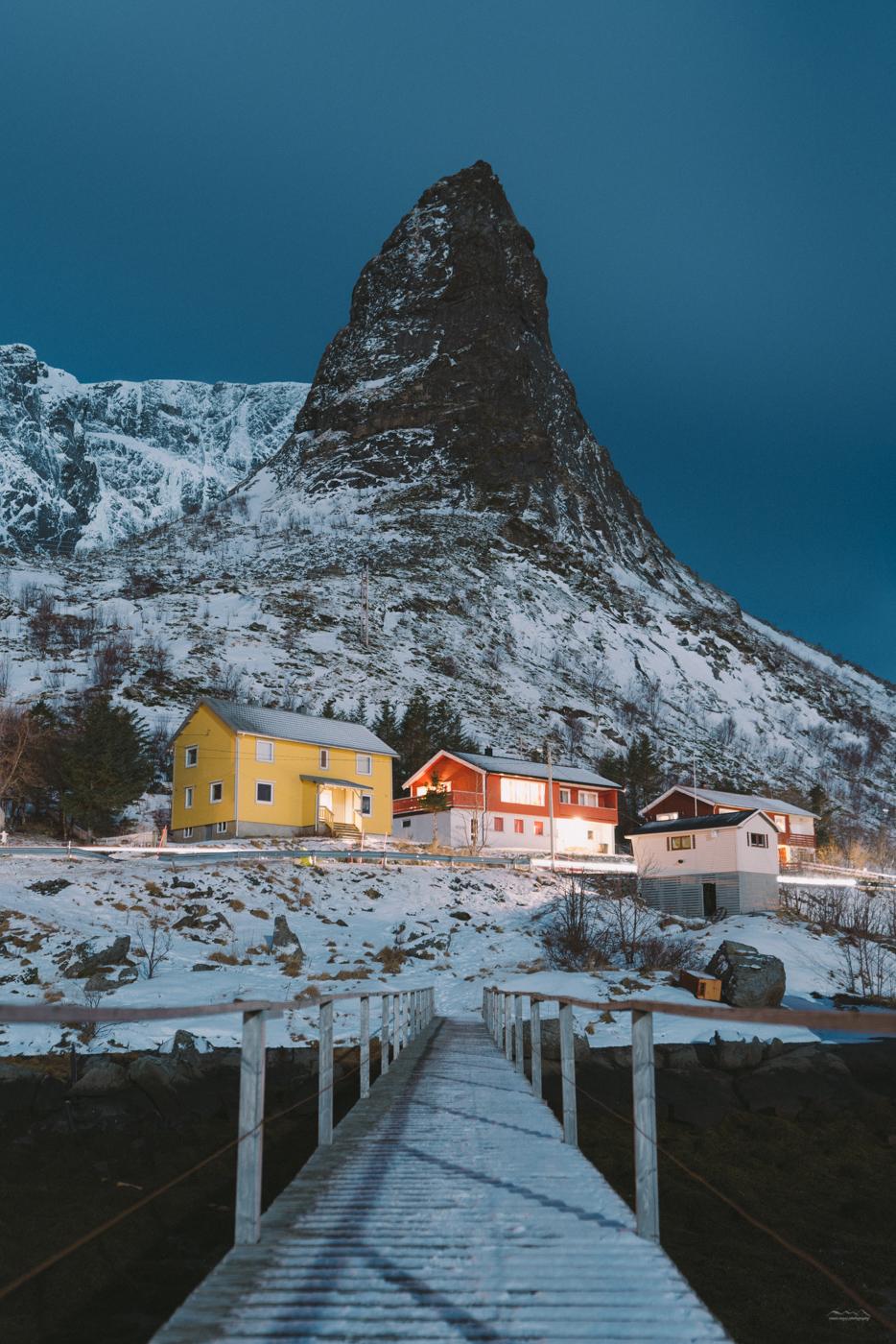 Reine classic bridge photo